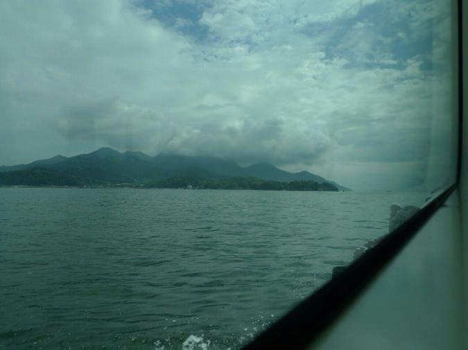 宮島が見えてくる