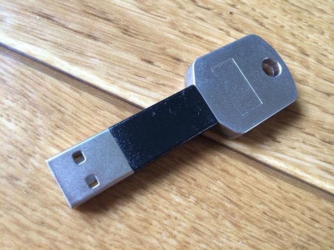 キータイプLightning-USBケーブル
