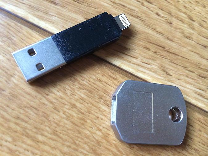 キータイプLightning-USBケーブルをばらす