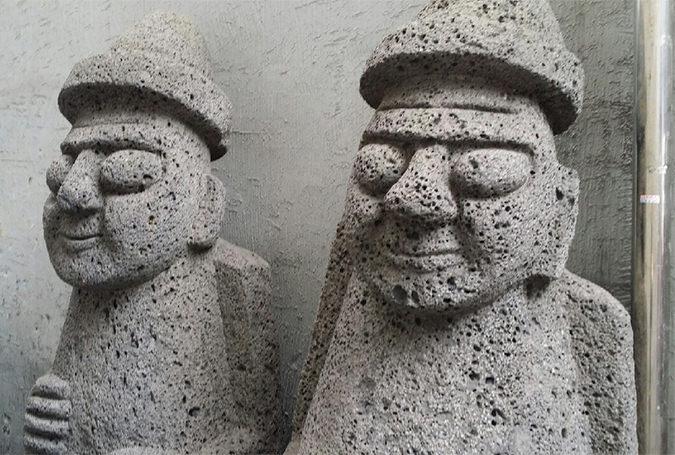 チェジュ名物の石像