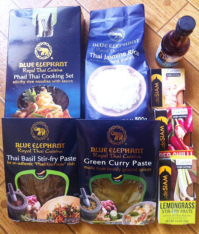 タイ料理のレトルト/調味料