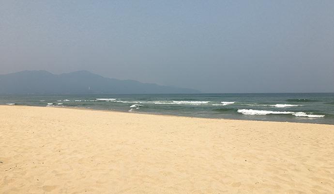 誰もいないビーチ