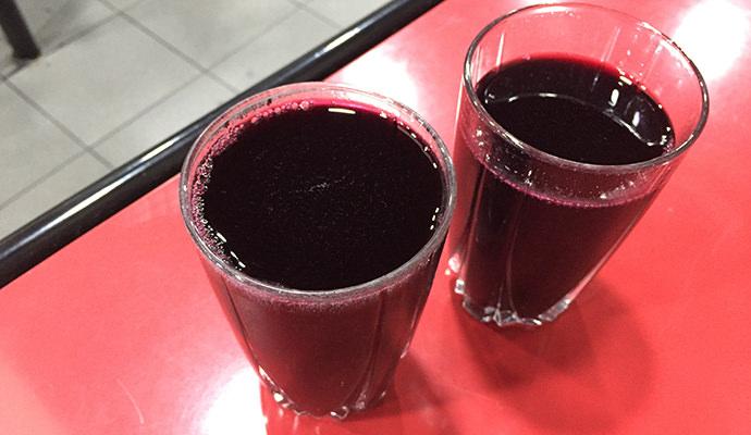 赤の発泡ワイン