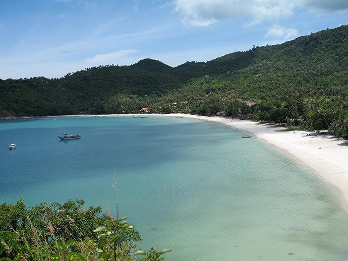 穏やかなパンガンのビーチ