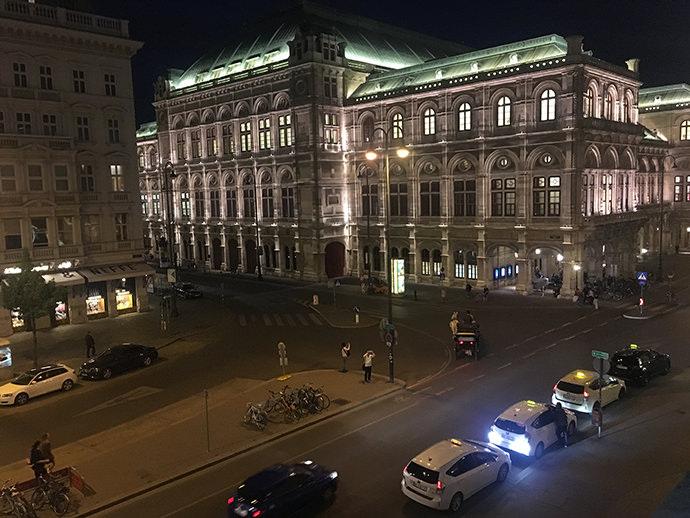 上から撮影したオペラハウス