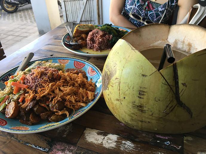 ナシチャンプルーとココナッツ